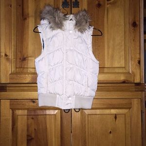 Girl's puffer vest w/removable faux fur lined hood